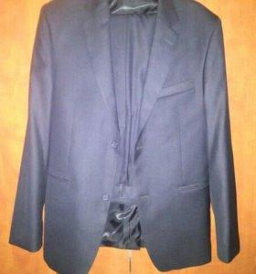 Продам Приталенный мужской костюм Galoks