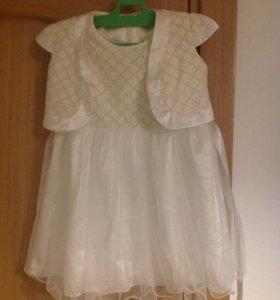 Нарядное платье 104 р