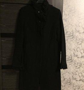 Чёрное пальто Acasta