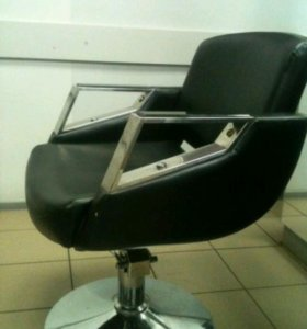 Стул парикмахерский