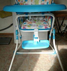 Детский столик для кормления ,новый