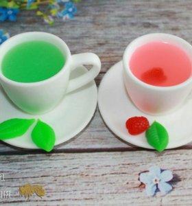 Мятный чай, чай с малиной.
