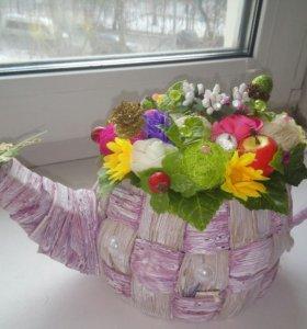 Чайник с цветами ручной работы