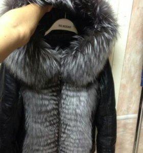 Продам шикарную кожанную курточку с чернобуркой