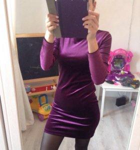 Платье бархатное. новое!