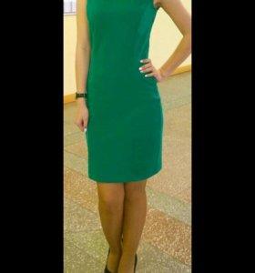 Платье зелёного цвета