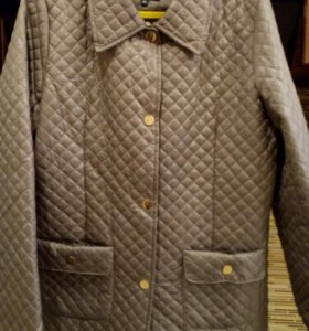 Новая стеганая курточка 48 размера