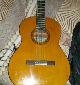 Гитара продаю за 3000 рулей нрвая с чехлом.