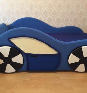 Детская кроватка-машинка,новая!