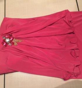 Платье очень красивое одевала 1 раз...
