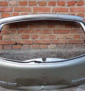 Крышка багажника на Рено Сандеро
