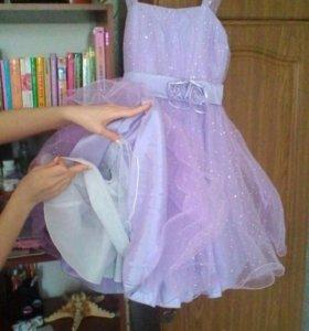 Платье для девочки , пышное 5- 7 лет .