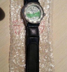 Часы наручные с безелем