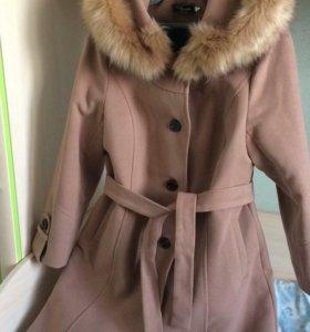 Пальто демисезонное с мехом
