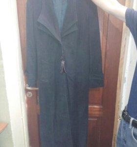 Пальто легкое весеннее 48 размер