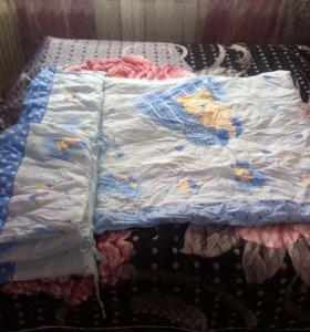 Комплект в кроватку(почти новый)