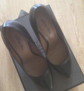 Новые туфли Corsocomo