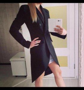 Пальто чёрное 44р