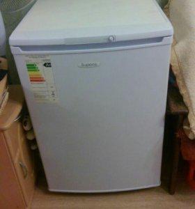Продам маленький холодильник