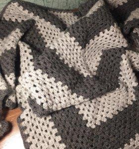 Тёплая шаль ручной работы