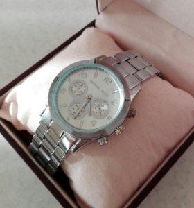 Часы Michael Kors очень красивые
