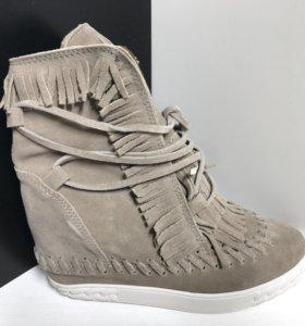Ботинки Casadei натуральная замша