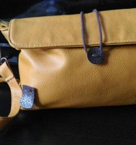 Сумочка на ремне / сумка