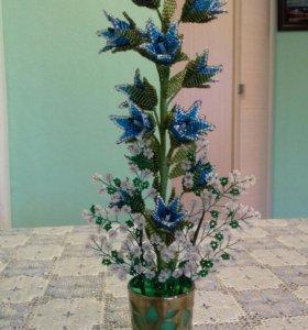 Колокольчики , роза из бисера 25 см.