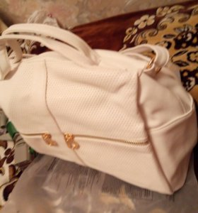 Новая белая сумка