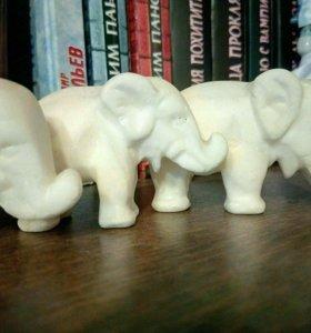 Мраморные слоны