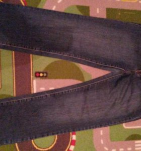 Джинсы и брюки.