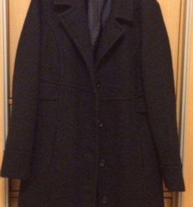 Женское пальто. 50 р.