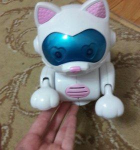 Электронная(двигается) игрушка на батарейках