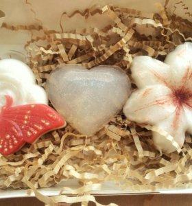 Подарочный набор цветочный с мылом