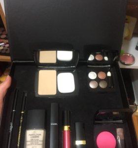 Набор косметики от Chanel