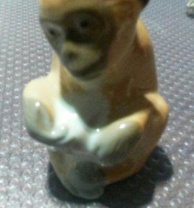 Фигурка обезьяны