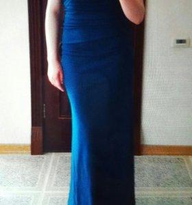 шикарное вечернее платье американского дизайнера.