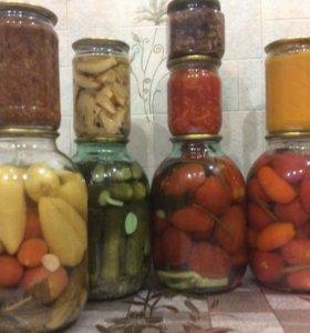 соления, маринованные огурцы, помидоры, грибы
