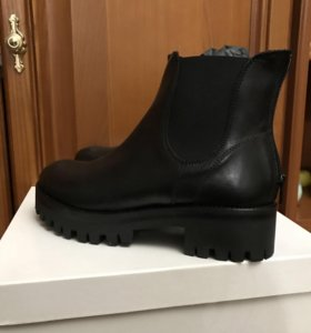 Новые ботинки Mally Италия р.40