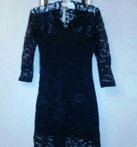 Платье кружевное. 40-42 размер