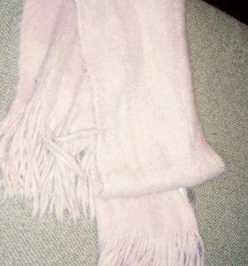 Пушистый розовый шарф