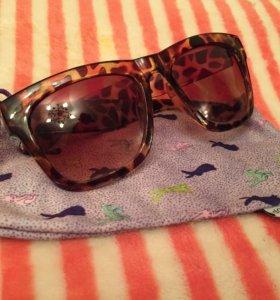 Очки солнцеза большие с мешочком в комплект
