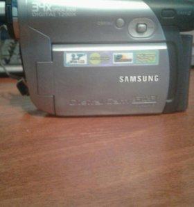 Фото-видео камера.