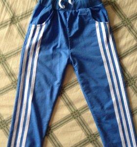 Спортивные штаны новые р.122