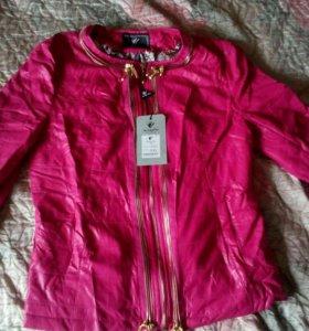 Новая весенняя курточка размерXXL