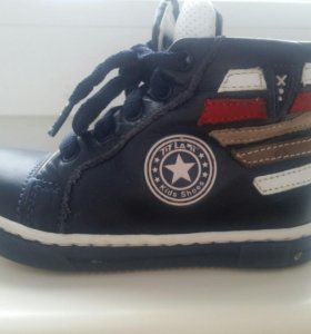 Детские осенние ботинки TiFlaни