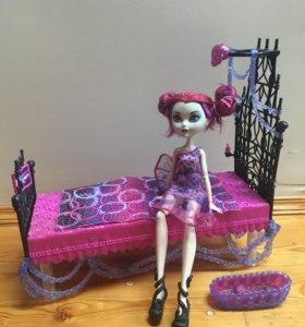 Кровать для куклы и питомца