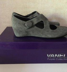 Туфли новые замшевые