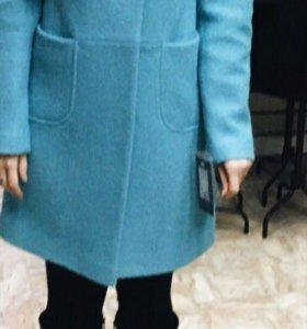 Пальто бирюзовое 44 размера.Осень,Весна.