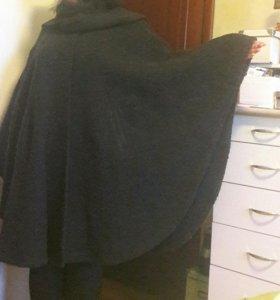 Женское пальто-пончо.